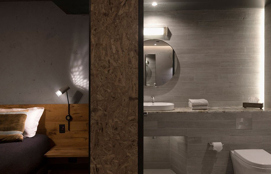 Is creating a small bathroom really that hard?